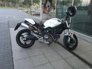 Ducati monster 696 abs +