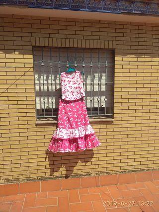 2 faldas rociera y 2 blusas