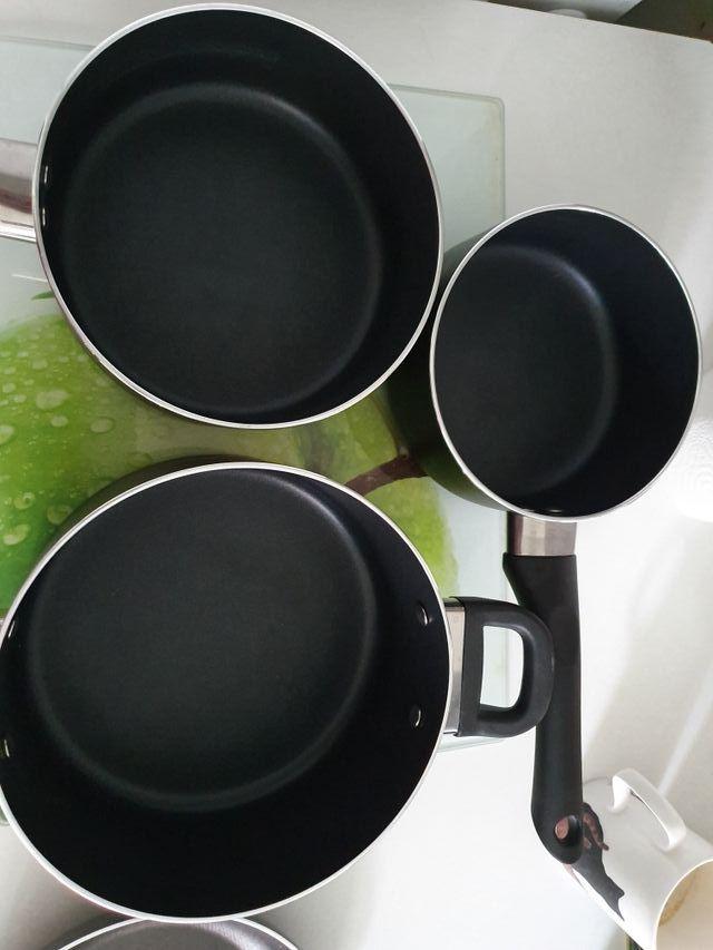 Poêles et casseroles, lot ou seule, Asnières-sur-S