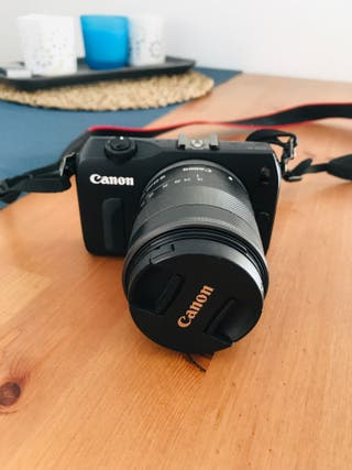 Camara Canon EOS-M