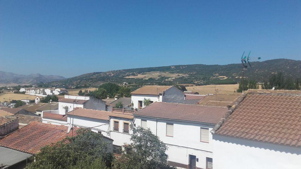 Casa las afueras del pueblo sin vecinos lindantes (Arriate, Málaga)
