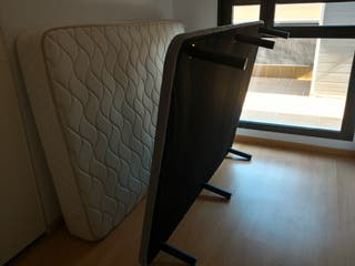 Base tapizada +colchón de regalo