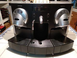 Nespresso Profesional Gemini CS 220 Pro