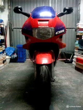 MOTOCICLETA HONDA CBR 600 F
