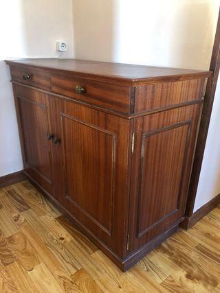 Cómoda/ zapatero madera maciza vintage.