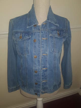 Size 6 boohoo denim jacket