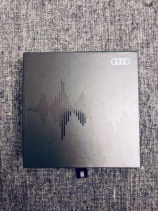 Auriculares Audi Urbanista
