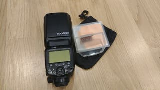 Flash Canon 600EX RT con funda y difusor