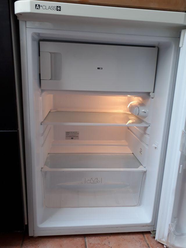 Réfrigerateur sous plan INDESIT TFAA10/A+