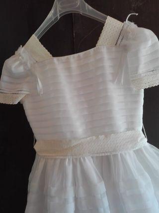 Vestido de comunión niña de El Corte inglés