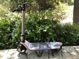 Scooter eléctrico MEEKO