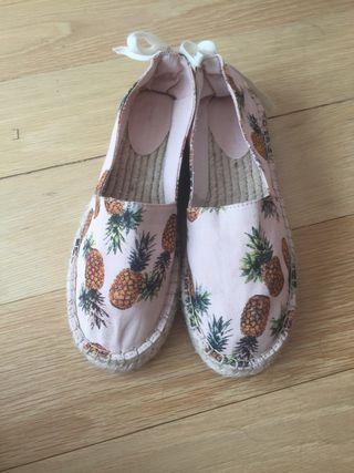 Zapatillas de tela 38. NUEVAS