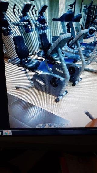 Bicicleta estática con respaldo Precor