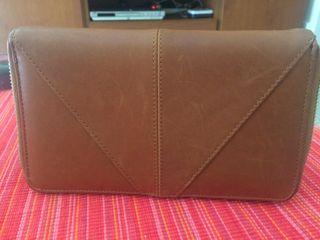 Monedero piel marrón Zara