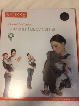 Mochila porta bebé Stokke