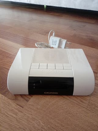 Radio despertador Grundig