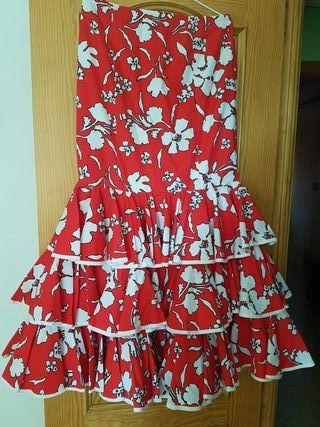 falda flamenca con dos blusas