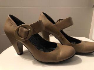 zapatos tacón Mustang