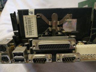 placa base Pentium III con procesador