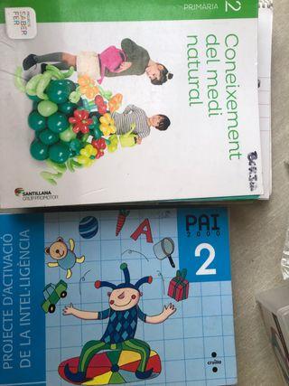 Libros de texto 2oprimaria Escola Montserrat