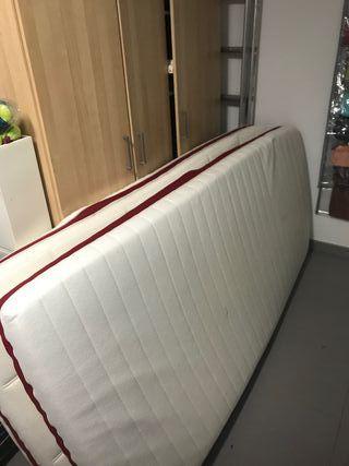 Dos colchones de alta calidad con base, 200x 90cm