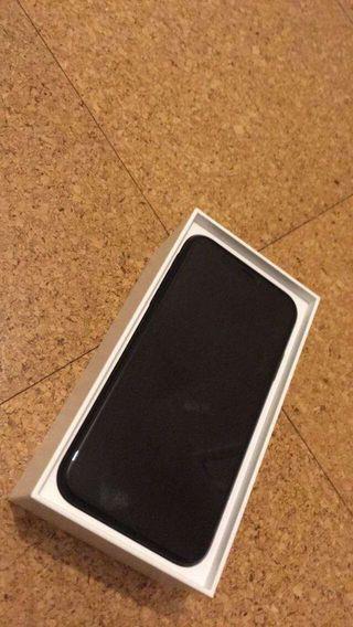 iPhone XR jet black