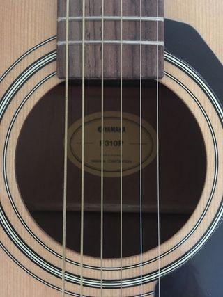 Acustic guitar Yamaha F310