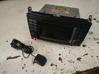 pantalla radio command mercedes