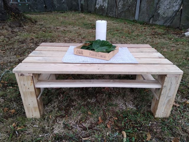 mesa jardín de palets
