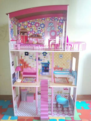 Casa de muñecas/barbies/nancy