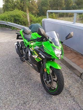 moto kawasaki ninja 125nuevo solo 4000 kilomitro