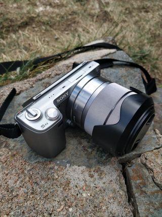 Cámara de fotos Sony evil NEX 5N perfecto estado