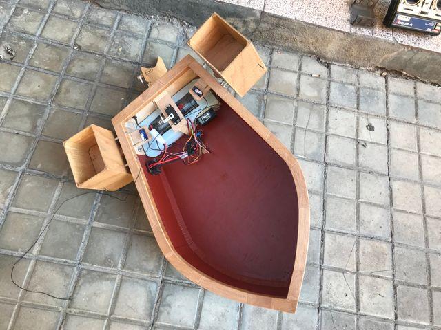 Barco cebador completo