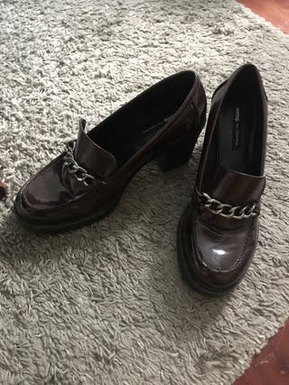 Zapatos tacón bajo y grueso