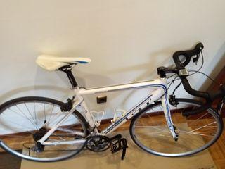 Bicicleta de carretera GT Series 4.0