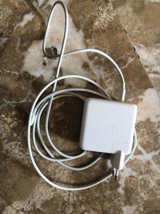 Cargador y cable MacBook Pro 61W NUEVO SIN CAJA