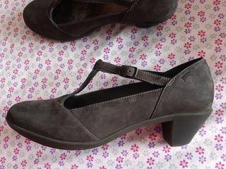 Zapatos camper Agatha grises, 37 nuevos de segunda mano por