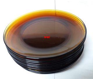 12 platos llanos DURALEX ambar años 80