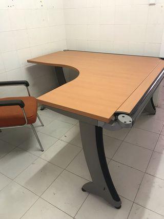 Mesa oficina y sillas