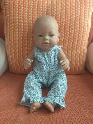 muñeca recién nacida