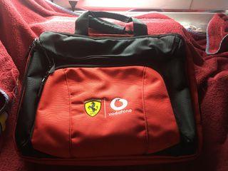 Maleta exclusiva portátil Vodafone Ferrari