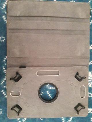 Funda tablet universal de 8 pulgadas.
