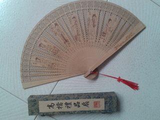 Abanico con olor, de China