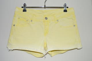 Short vaquero amarillo de Mango, talla 36