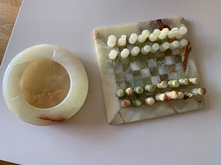 Ajedrez y cenicero alabastro