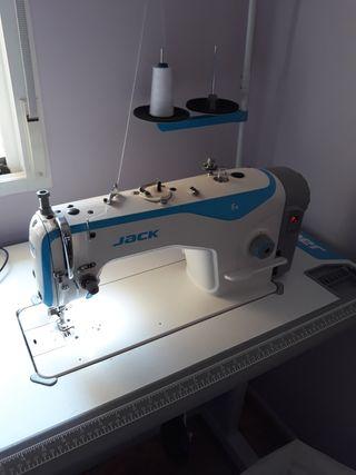 Maquina de coser y remalladora industrial Jack