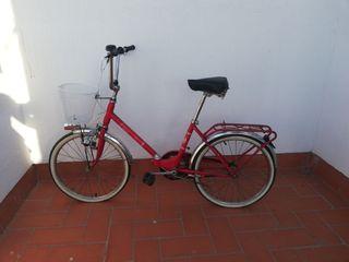 Bicicleta BH plegable roja