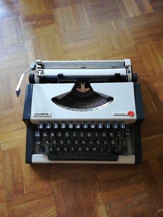 Máquina de escribir Olympia Traveller