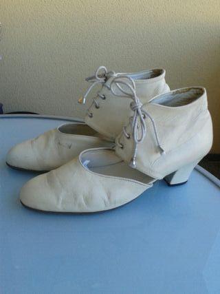 Botines de piel talla 40. Flamenca, contrabandista