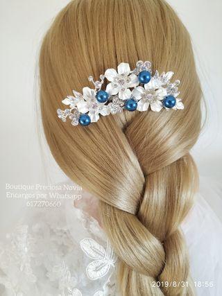 Peina novia Invitada madrina en color azul marino